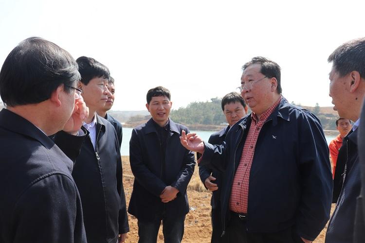 集团董事长高亮赴昭通调研苹果产业发展